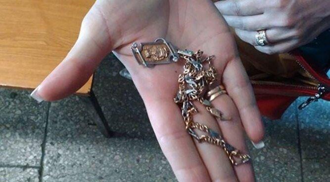 Znalazłam złoty łańcuszek i zwróciła go właścicielce. W życiu się nie spodziewałam czegoś takiego