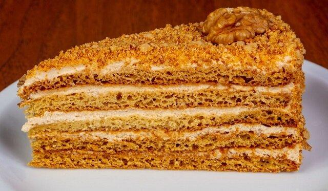 """Przepis na ciasto ze skondensowanym mlekiem o nazwie """"Karmelowa dziewczyna"""""""