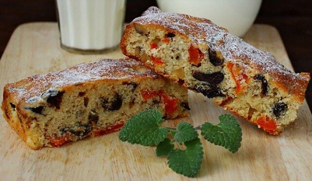 Niesamowite pyszne i zdrowe ciasto z suszoną śliwką i suszoną morelą