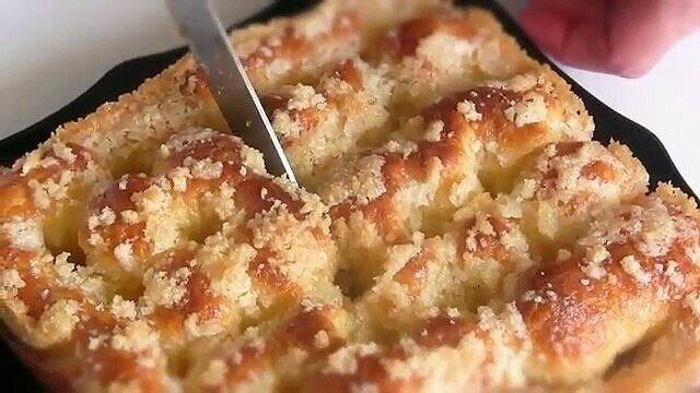 """Ciasto drożdżowe """"cukrowe"""": bardzo proste i pyszne"""