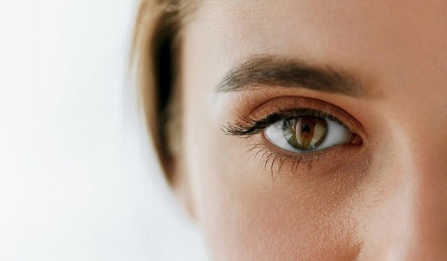 Osoby z niebieskimi i zielonymi oczami mogą się zmartwić – co kolor oczu mówi o tobie?