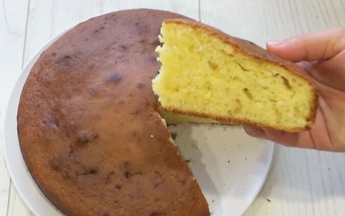 Szybkie i łatwe ciasto  śmietanowe. Bardzo miękkie, aromatyczne ciasto