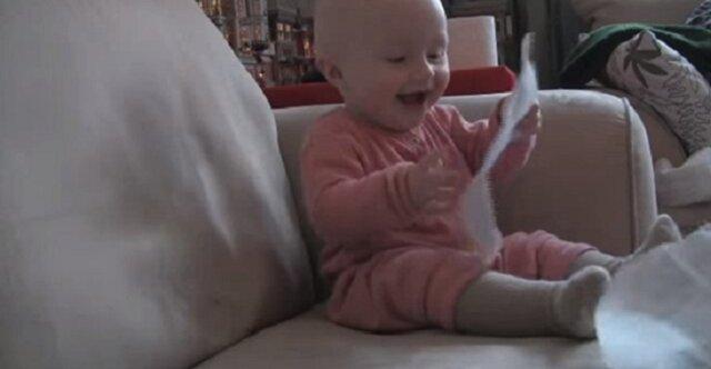 90 000 000 wyświetleń: dziecko rozśmieszyło cały świat. Sama śmiała się do łez