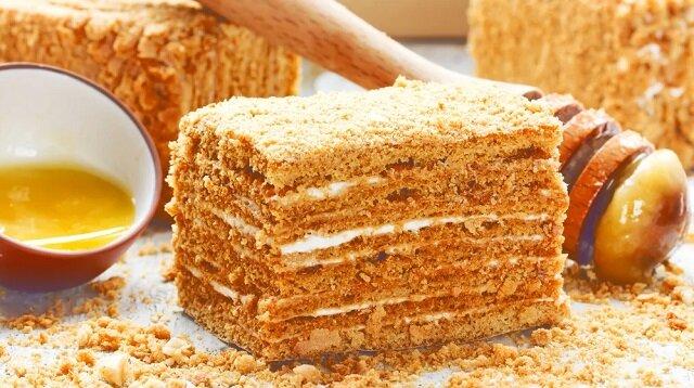 Pieczemy rudy tort według klasycznej receptury