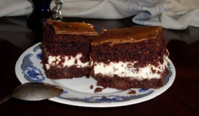 Amerykańskie ciasto missisipi. Idealny deser na każdą okazję