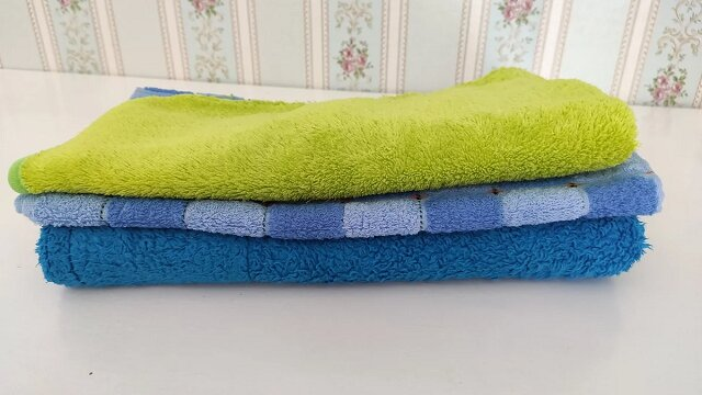 Nie wyrzucam starych ręczników i znajduję im nowe użycie. Zobacz do czego je stosuję