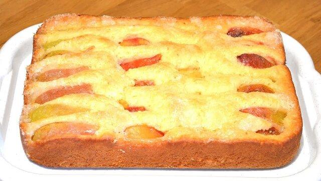Niezawodny przepis dla każdej z nas. Najlepsze ciasto owocowe w 10 minut