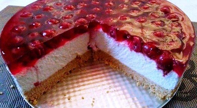 Sernik z wiśniami. Doskonały deser bez pieczenia