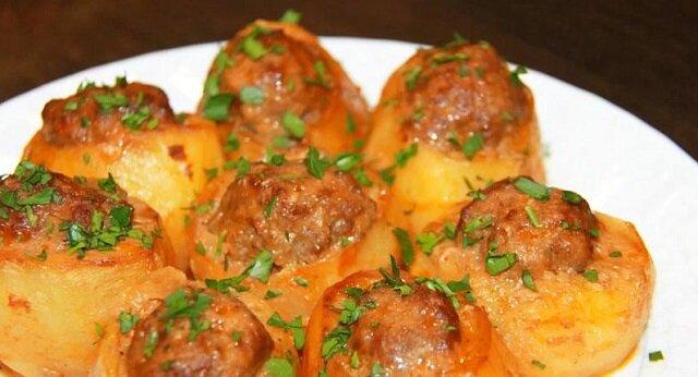 Ziemniaki z farszem. Smaczny i sycący obiad