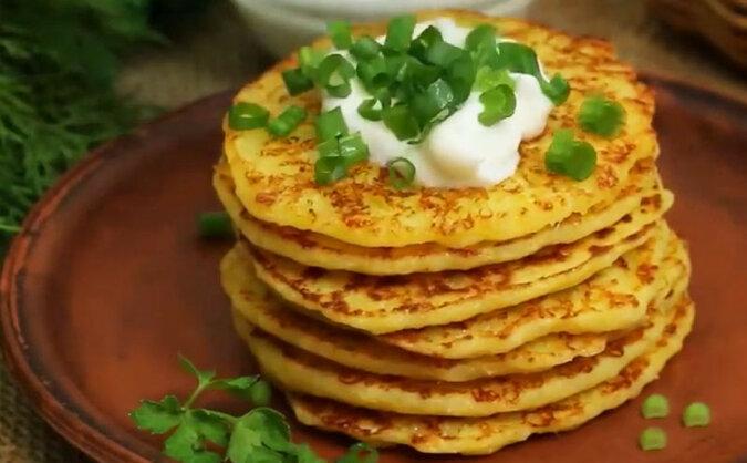 Szybkie placuszki z serem: zdrowe i pyszne śniadanie