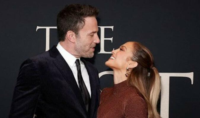 Bardzo namiętny pocałunek Jennifer Lopez i Bena Afflecka na premierze w Nowym Jorku. I ich niesamowite jesienne obrazy