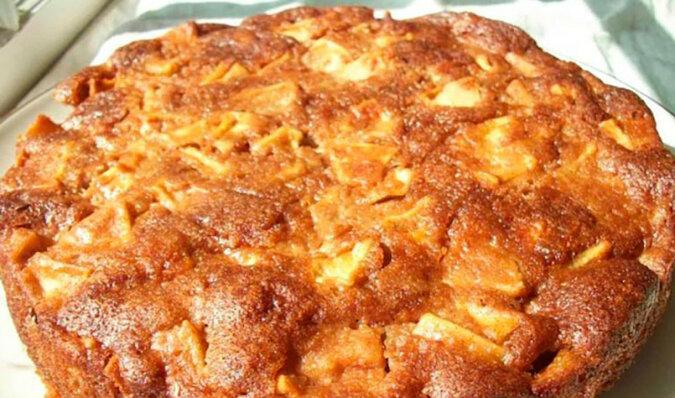Ciasto miodowe z jabłkami. Pycha