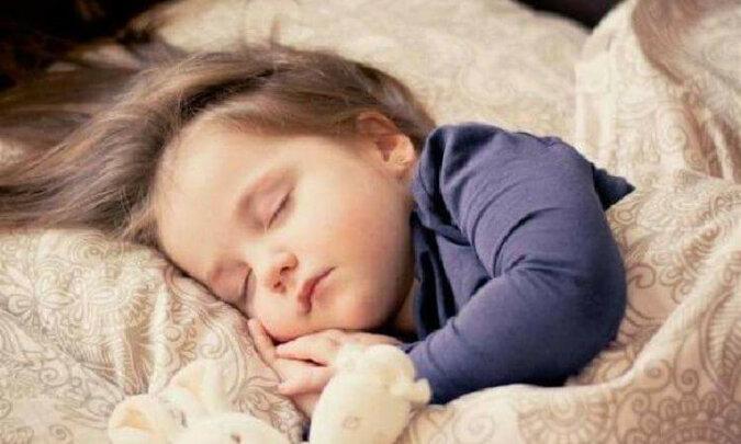 Dlaczego dzieci zawsze proszą o szklankę wody przed snem?