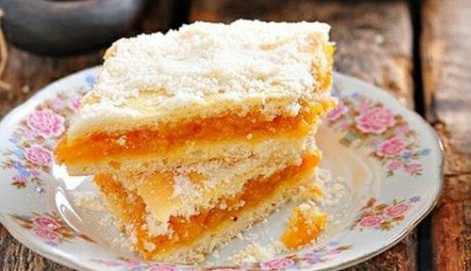 Pyszne ciasto z suszonymi morelami. Pycha