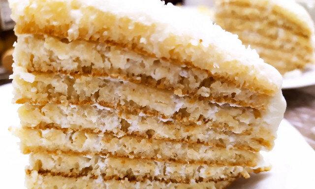 Delikatne ciasto z kaszy manny bez pieczenia w piekarniku - smaczniejsze niż jakikolwiek biszkopt