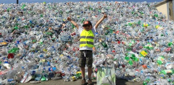 9-letni chłopiec zebrał 500 tysięcy butelek