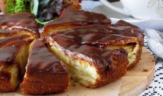 Wspaniałe karmelowe ciasto z gruszką i jabłkami