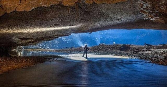 Największa jaskinia na świecie – ogromna Hang Son Doong