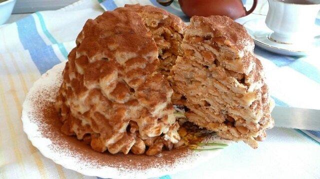 Tort z krakersów w kształcie rybek. Szybko i bez pieczenia