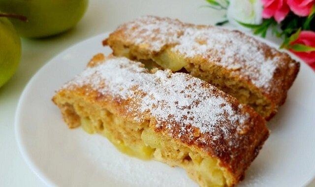 Ciasto bez gramu mąki z jabłkami – możesz jeść wieczorem lub przez cały dzień