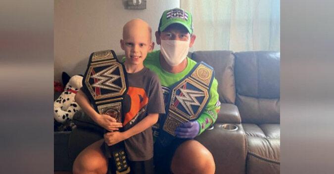 John Cena daje 7-latkowi walczącemu z rakiem najlepszą urodzinową niespodziankę