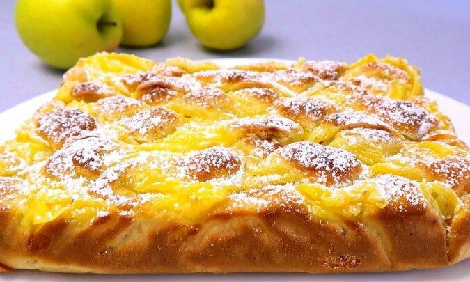 Ciasto jabłkowe z kremem budyniowym. Wielokrotnie smaczniejsze niż szarlotka