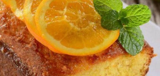 Niezwykle pyszna pomarańczowa babeczka do herbaty. Pyszny i aromatyczny deser