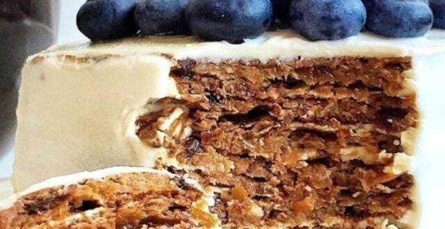 Zdrowe ciasto z twarogiem i suszonymi owocami. Idealny deser