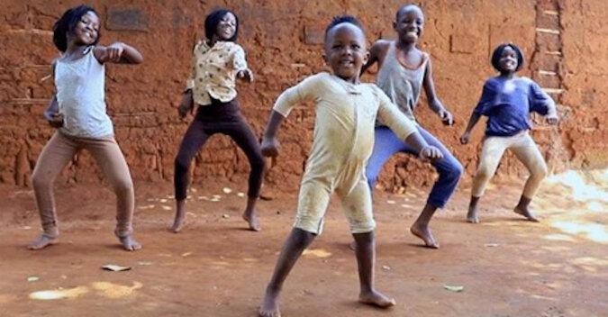 Taniec dzieci z Afryki podbił cały Internet