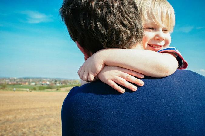 Mężczyzna z porażeniem mózgowym uważał siebie za złego ojca, dopóki jego syn nie pokazał mu tego filmiku