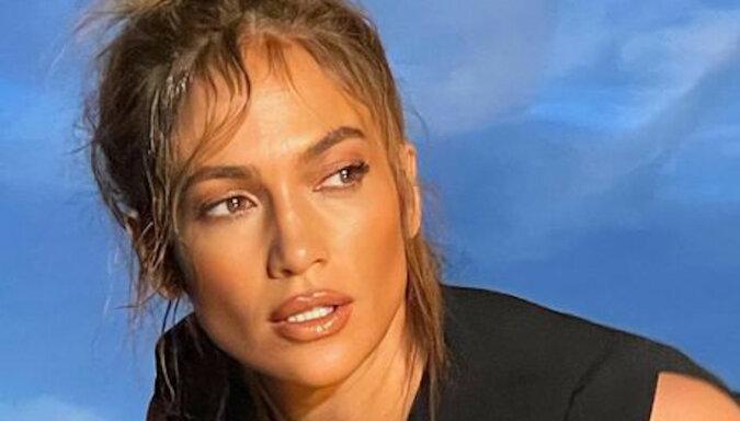 51-letnia Lopez pokazała swoją młodszą o dwa lata siostrę - słynną w USA prezenterkę telewizyjną