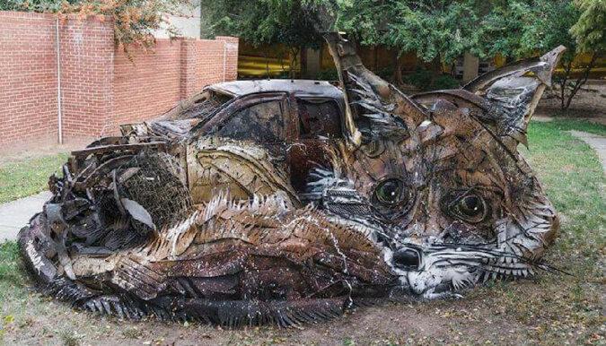 Artysta zamienia śmieci w oszałamiające rzeźby zwierząt