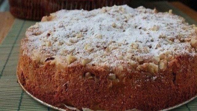"""Lubiane przez wszystkich ciasto jabłkowe """"Domowe"""". Pyszny wypiek"""