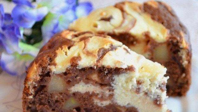 Ciasto z nadzieniem jabłkowym i twarogowym. Godne każdego stołu