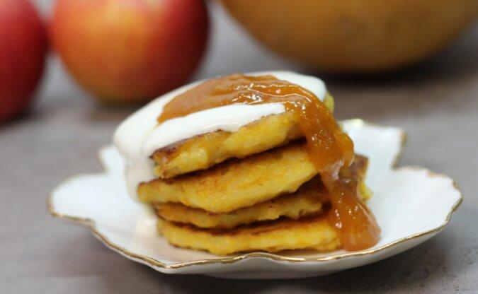 Dyniowo-ryżowe placuszki z jabłkiem: smaczne śniadanie dla całej rodziny