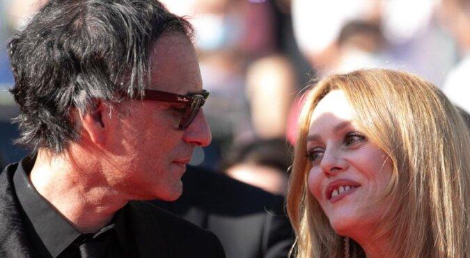 Życie po Johnnym Deppie: Vanessa Paradis z mężem Samuelem Benchetrit na Festiwalu Filmowym w Cannes 2021