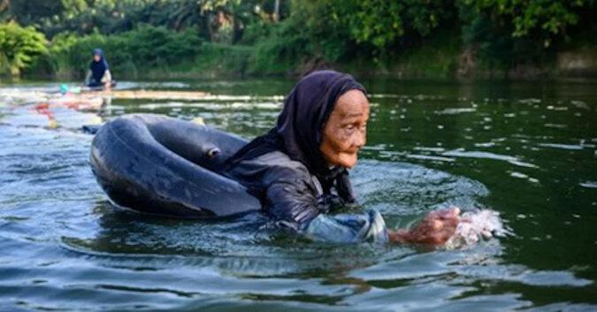 80-letnie kobiety przepływają 3 km, aby zdobyć wodę pitną