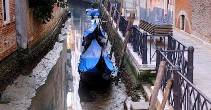 Powodzie są powszechne w Wenecji, ale teraz kanały są prawie suche