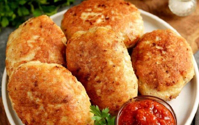 Tylko jeden składnik, który robi mięso mielone z kurczaka bardziej pyszne