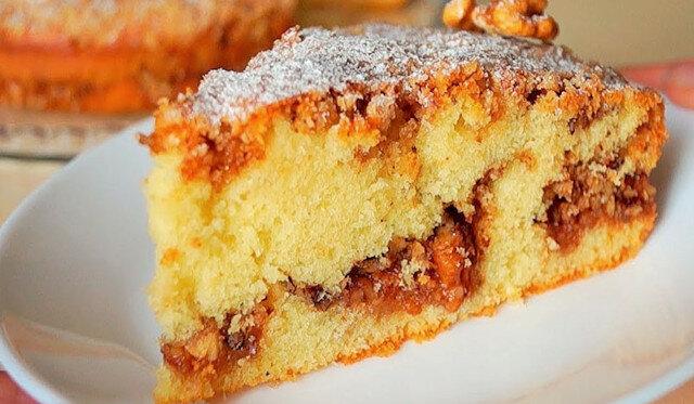 Orzechowe, pyszne i bardzo proste ciasto: szybki i oryginalny przepis