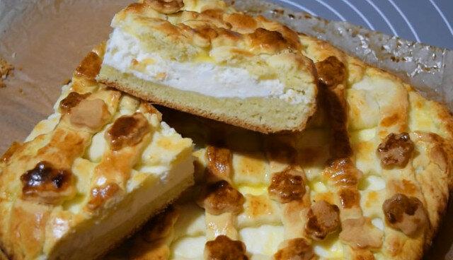 Najdelikatniejsze ciasto twarogowe: lekkie ciasto i delikatne nadzienie