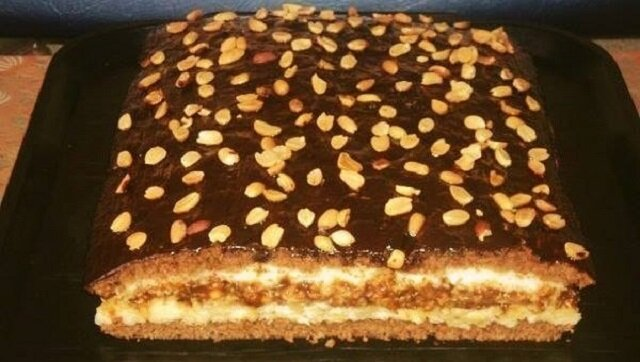 """Ciasto """"Domowe"""" o niesamowitym smaku. Raz spróbowałem go upiec, teraz ciągle jest na moim stole"""
