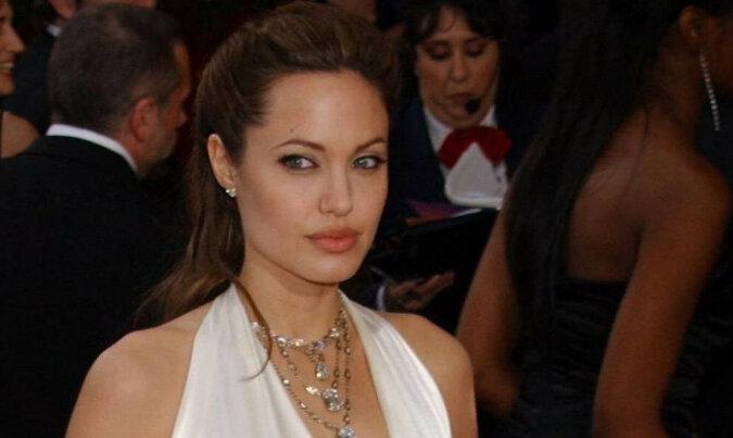Suknia Angeliny Jolie jest najlepsza w historii Oscara