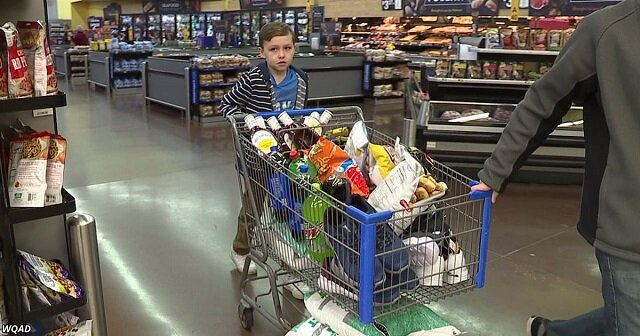 9-letni chłopiec wydał wszystkie swoje pieniądze, aby pomóc potrzebującym