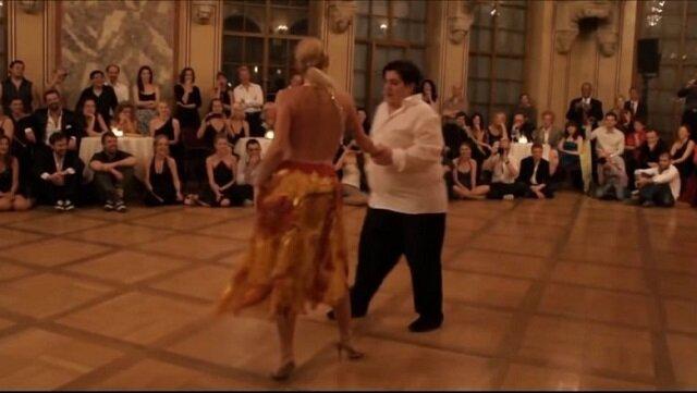 Śmiali się, gdy facet z nadwagą powiedział, że jest tancerzem. Zobacz ich super występ