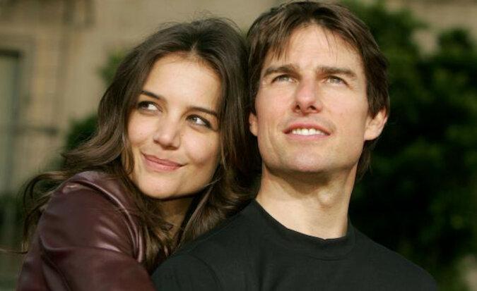 15-letnia córka Toma Cruise'a i Katie Holmes: sieć spiera się, do którego z rodziców jest podobna Suri