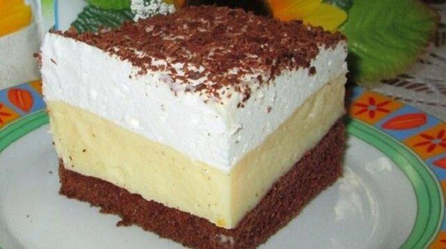 Ciasto budyniowiec ze śmietankowa pianką. Rozpływa się w ustach