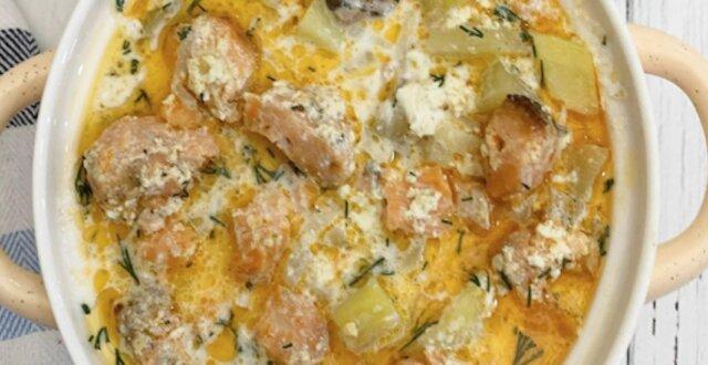 Pieczony łosoś z ziemniakami – pomysł na królewski obiad