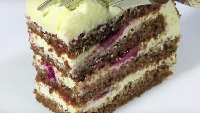 Wyśmienite ciasto twarogowe w 30 minut. Wiśnia nadaje mu lekką i przyjemną kwaskowatość