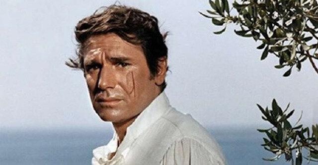 Robert Hossein obchodzi 92 lata. Jak obecnie żyje aktor, który zyskał sławę grając postać Joffrey'a de Peyrac'a